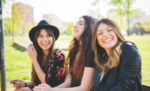 Las mujeres solteras son más felices que los hombres solteros