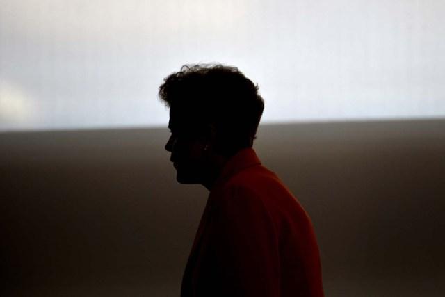 """BRA01. .BRASILIA(BRASIL),04/05/2016.- La presidenta brasileña, Dilma Rousseff, anunció hoy, miércoles 4 de mayo de 2016, un plan anual de créditos agrícolas en Brasilia (Brasil). Rousseff anunció que el llamado """"Plan Zafra"""" para el período 2016-2017 estará dotado con 202.800 millones de reales (unos 57.940 millones de dólares) en un acto en el que insistió en que tiene """"la conciencia tranquila"""" y reafirmó que no ha cometido """"ningún delito"""". EFE/CADU GOMES"""