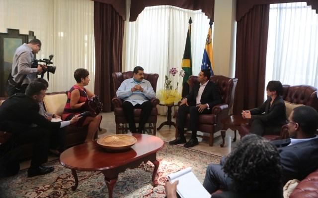 El presidente de Venezuela Nicolás Maduro y el Primer Ministro de Jamaica, Andrew Holness, durante su reunión hoy en Jamaica House, en Kingston / Foto AVN