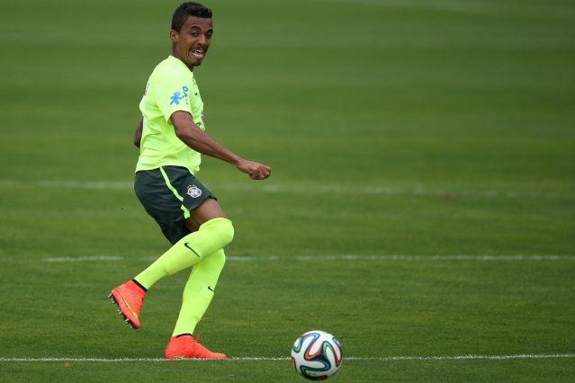 Luiz Gustavo, jugador de la selección de Brasil (Foto: EFE)