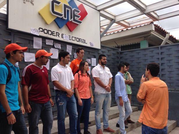 Jovenes CNE2 (2)