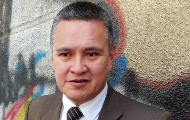 Eduardo León adogado