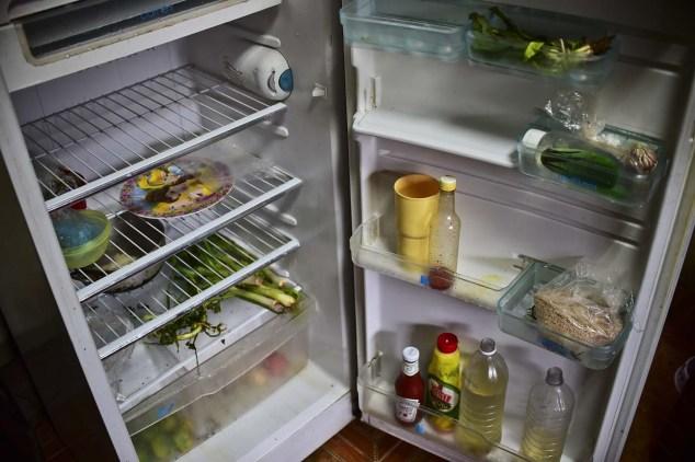 nevera vacia escasez comida
