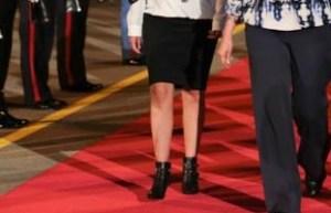 """Red Fashion: Delcy Eloína estrena botines """"Madonna style"""" a su llegada a La Habana"""