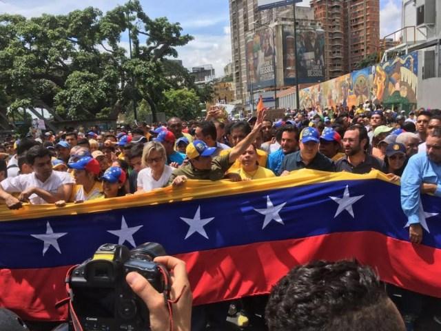 Henrique-Capriles-Radonki-