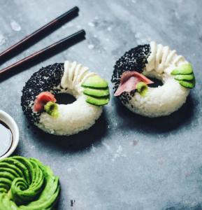Esta es la última tendencia gourmet: Donuts de Sushi (Fotos + yummy)