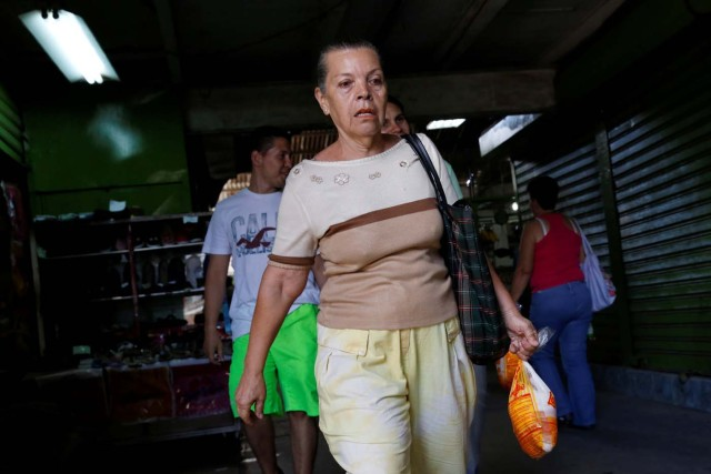 2016-07-15T201040Z_114364547_S1AETPTXCIAB_RTRMADP_3_VENEZUELA-FOOD