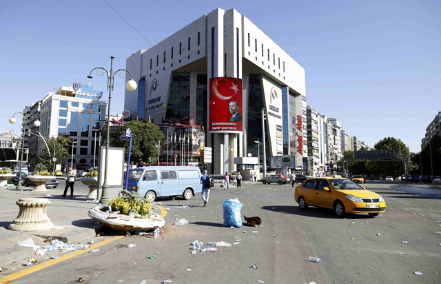 A portrait of Turkish President Tayyip Erdogan is seen on a building in Ankara, Turkey July 16, 2016. REUTERS/Tumay Berkin