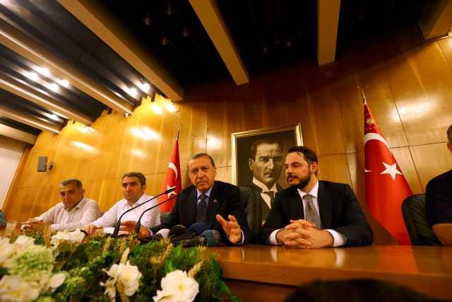 El presidente turco Tayyip Erdogan ofrece una rueda de prensa en Estambul. Foto: REUTERS/Huseyin Aldemir