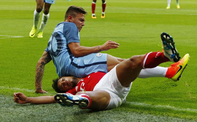 Football Soccer - Bayern Munich v Manchester City - Pre Season Friendly - Allianz Arena, Munich, Germany - 20/7/16 Manchester City's Pablo Maffeo Becerra in action with Bayern Munich's Juan Bernat Action Images via Reuters / Michaela Rehle Livepic