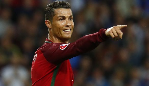 Football Soccer - Portugal v Iceland - EURO 2016 - Group F - Stade Geoffroy-Guichard, Saint-Étienne, France - 14/6/16 Portugal's Cristiano Ronaldo REUTERS/Kai Pfaffenbach Livepic