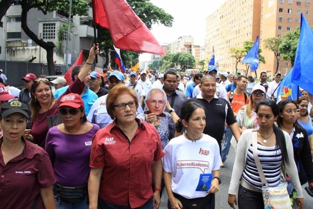 270716. Marcha 20% Firmas Avenida Libertador (2)