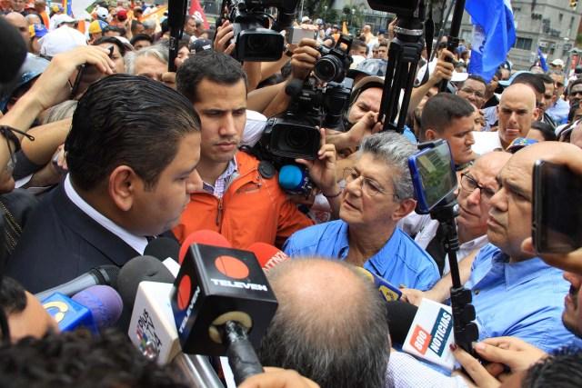 270716. Marcha 20% Firmas Avenida Libertador (3)