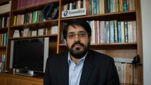 """Economista Asdrúbal Oliveros explica por qué está bajando """"el que no puede ser nombrado"""""""