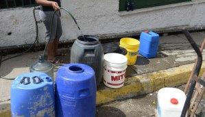#EscombrosDeMaduro: El 82% de los venezolanos no tiene servicio continuo de agua potable
