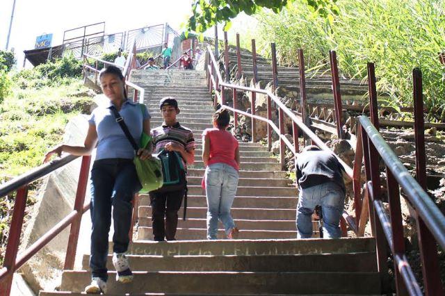 Escaleras Petare1