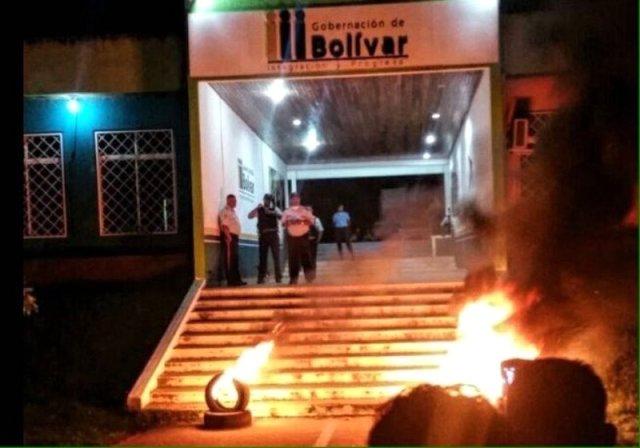 Vecinos de Santa Elena vinculan a la PEB con el aumento de la criminalidad en el municipio
