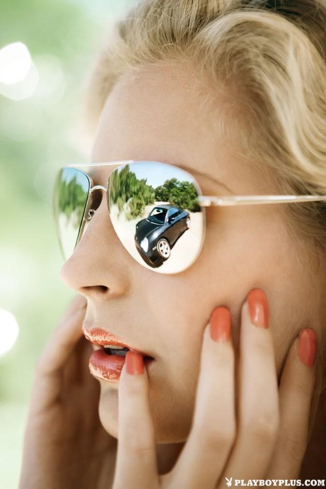sunglasses, reflection, biting