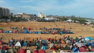 A falta de pueblo… el gran despliegue de chavistas pagados que Nicolás llevó a la cumbre (FOTOS)