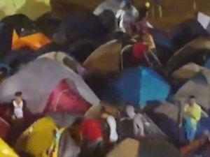 VIDEO: Brutal ventarrón con palo de agua en campamento ñángara que Nicolás instaló en Margarita
