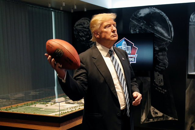 September 14, 2016.  REUTERS/Mike Segar