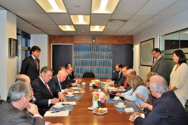 Los ministros de Relaciones Exteriores de la Argentina, Susana Malcorra; de Brasil, José Serra; de Paraguay, Eladio Loizaga, y de Uruguay, Rodolfo Nin Novoa durante su reunión de ayer en New York / foto @ecotalvora