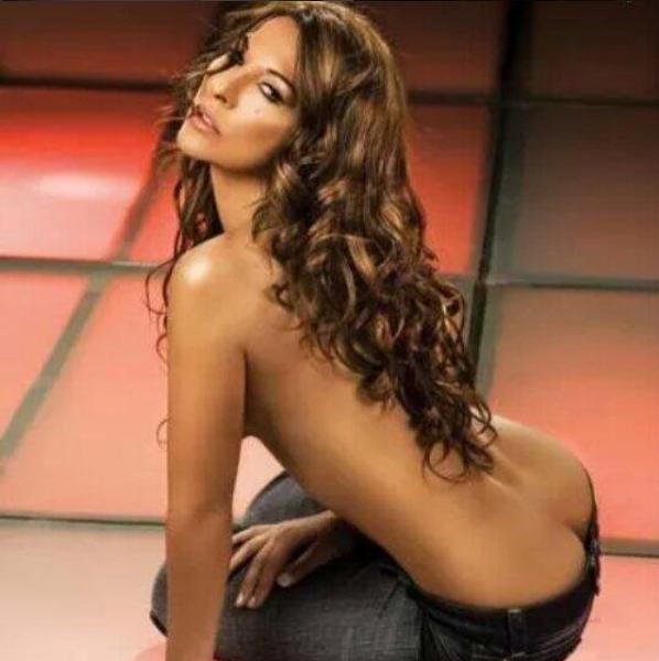 Semi Desnuda Modelo Colombiana De 60 Años Impacta Al Mundo Con Su