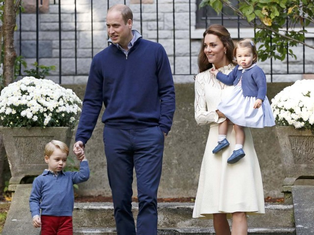 Britain's Prince William (2nd L), Catherine, Duchess of Cambridge, Prince George (L) and Princess Charlotte (R) arrive at a children's party at Government House in Victoria, British Columbia, Canada, September 29, 2016.  REUTERS/Chris Wattie