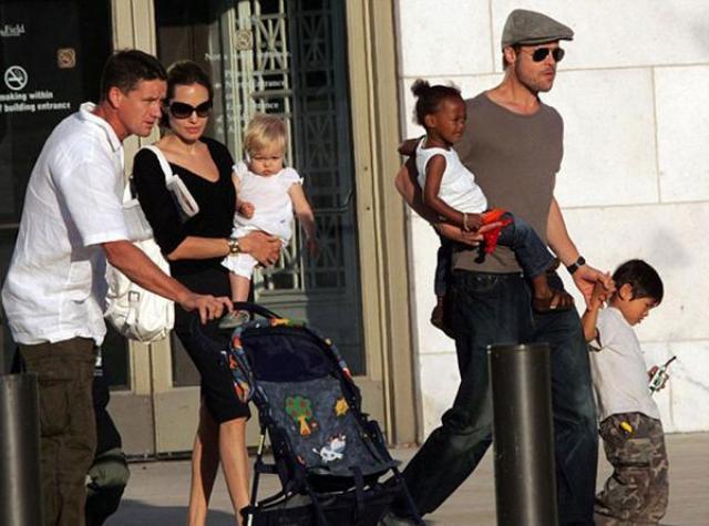 """Billingham con la familia a pleno. Dice que hasta cumplió papeles de """"paternidad"""". Foto: Infobae"""
