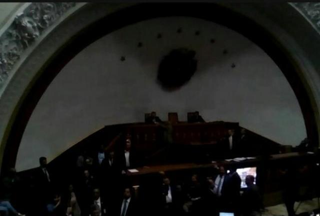Asamblea Nacional venezolana se quedó sin luz durante pleno debate Foto: LaPatilla.com