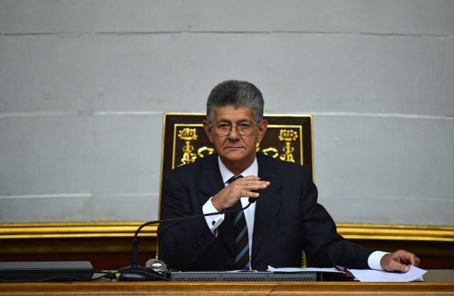 Henry Ramos Allup, presidente de la AN (Foto AFP)