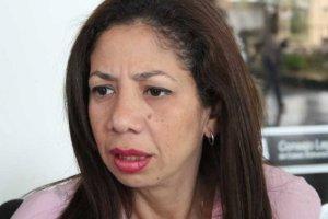 Betsy Bustos: En esta oportunidad hay que votar por el rostro del candidato, no por tarjetas