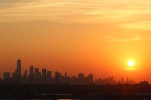 El amanecer en Nueva York en un día de otoño (fotos aéreas)