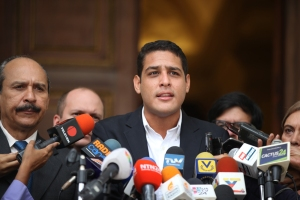 Seis venezolanos han fallecido por falta de diálisis, denuncia comisión de la AN