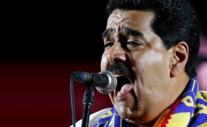 """Maduro dice que miembros de VP planeaban """"secuestrar y atentar"""" contra  Nelson Merentes"""