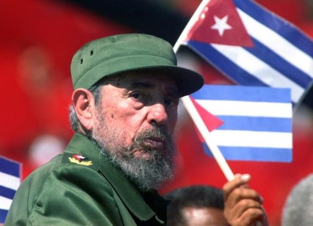 Imagen de archivo del ex líder cubano Fidel Castro en las celebraciones del Día del Trabajador en La Habana, mayo 1, 2004. REUTERS/Rafael Perez/Files