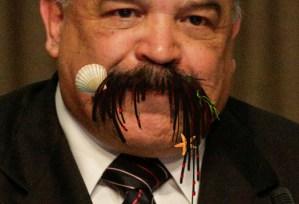 Así será el bigote de Merentes si estos anárquicos siguen ensayando con la economía de Venezuela (FOTOMONTAJE)