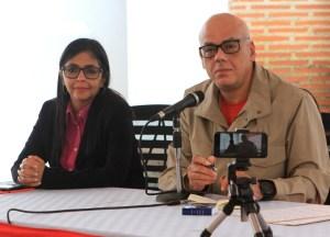 RED FASHION: Puro caché… Jorge Rodríguez firma sus cheques con una pluma fuente de 335 mil bolos (a dólar Simadi)