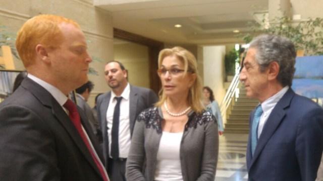 Ana Julia Jatar junto a los diputados Edwards y Tarud. / Emol