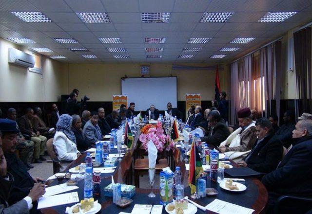 Mustafa Sanalla, presidente de NOC, en su reunión con autoridades locales de la región de Jalo / Foto NOC