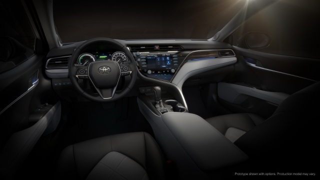 Toyota-Camry-2018 (8)