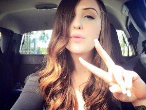 Sacarse muchas selfies releva falta de actividad sexual