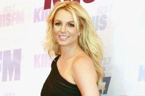 ¡Oops lo hizo otra vez! Britney sufrió un descuido en el escenario y mostró de más (FOTOS)