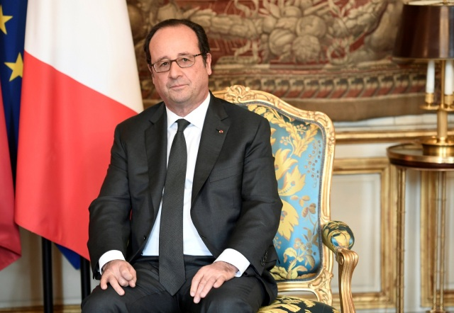 French President Francois Hollande attends a meeting with Mali's President Ibrahim Boubacar Keita (not seen) at the Elysee Palace in Paris, France, February 2, 2017. REUTERS/Stephane de Sakutin/Pool