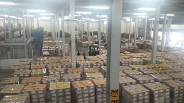 Cajas Clap almacenadas en un galpón en la zona libre de Colón en Panamá / lapatilla.com