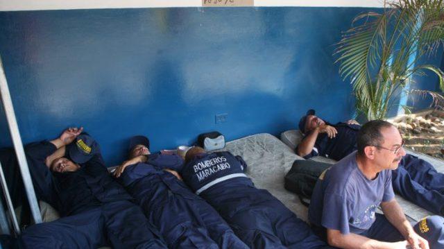 Bomberos de Maracaibo huelga hambre