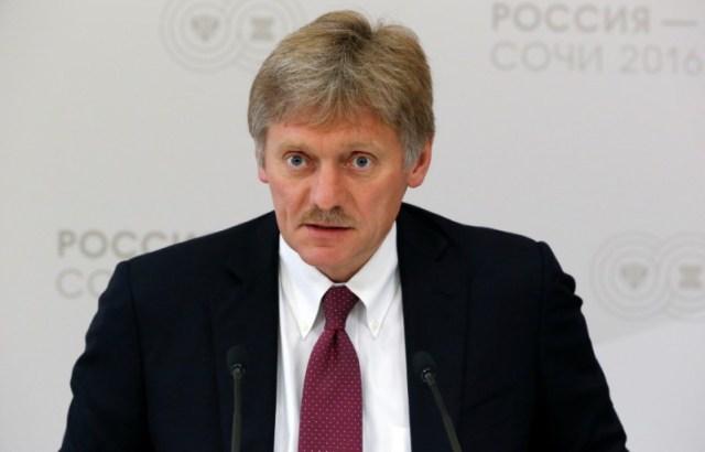 """El portavoz del Kremlin, Dmitry Peskov, habla en el marco de una cumbre de Rusia-ASEAN en Sochi, Rusia, el 19 de mayo de 2016. El Gobierno ruso dijo el lunes que no está de acuerdo con la decisión del presidente de Estados Unidos, Donald Trump, de calificar a Irán como """"el principal estado terrorista"""" y añadió que de hecho desea profundizar sus relaciones con la república islámica.REUTERS/Sergei Karpukhin"""