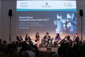 Informe en Foro de Davos: Gobierno de Maduro propicia estampida del talento nacional