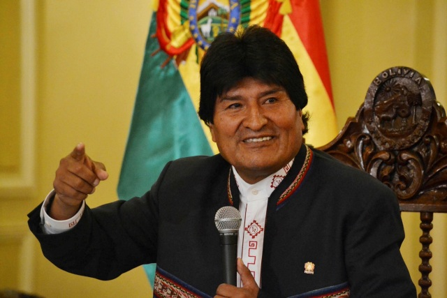 FILE PHOTO: Bolivia's President Evo Morales speaks during a news conference at the presidential palace in La Paz, Bolivia, February 24, 2016. Bolivian Presidency/Handout via Reuters/File Photo ATTENTION EDITORS - THIS IMAGE WAS PROVIDED BY A THIRD PARTY. FOR EDITORIAL USE ONLY. NOT FOR SALE FOR MARKETING OR ADVERTISING CAMPAIGNS. THIS PICTURE IS DISTRIBUTED EXACTLY AS RECEIVED BY REUTERS, AS A SERVICE TO CLIENTS