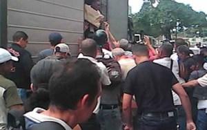 La cifra del hambre en Paracotos: 11 muertos y 30 detenidos por saqueos en la ARC